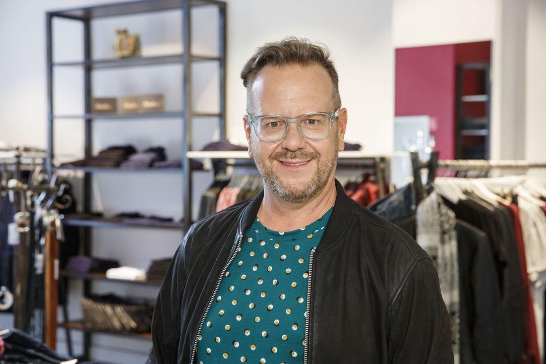 Andrej Baranow ist seit über 10 Jahren Stylist der Berlinale - und verhilft jetzt Frauen zu ihrem schönsten Ich ... - Bildquelle: Morris MacMatzen Sat.1 Gold