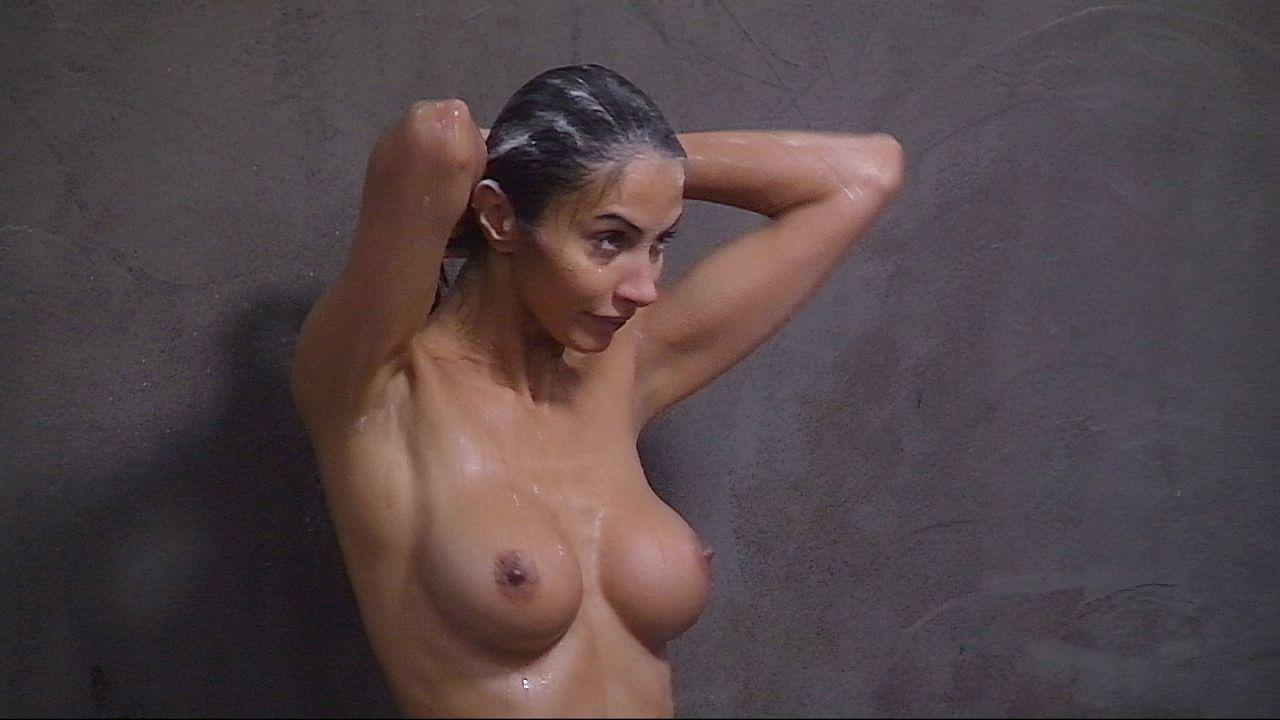 Schill_Janina duscht9