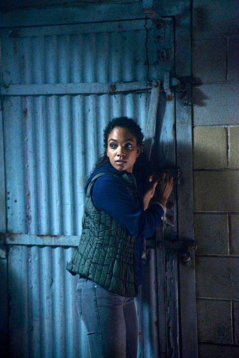 Kann Jenny (Lyndie Greenwood) Henry entkommen, bevor er die gefährlichen Informationen über den Schlüssel zum Fegefeuer aus ihren Gedanken lesen kon... - Bildquelle: 2014 Fox and its related entities. All rights reserved.