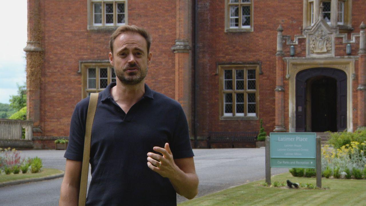 Moderator Jamie Theakston (Bild) enthüllt die Geschichte des Henkers Johann Reichhart - der Mann, der für Hitler während des Krieges mehr als 3000 M... - Bildquelle: TCB Media Rights Ltd.