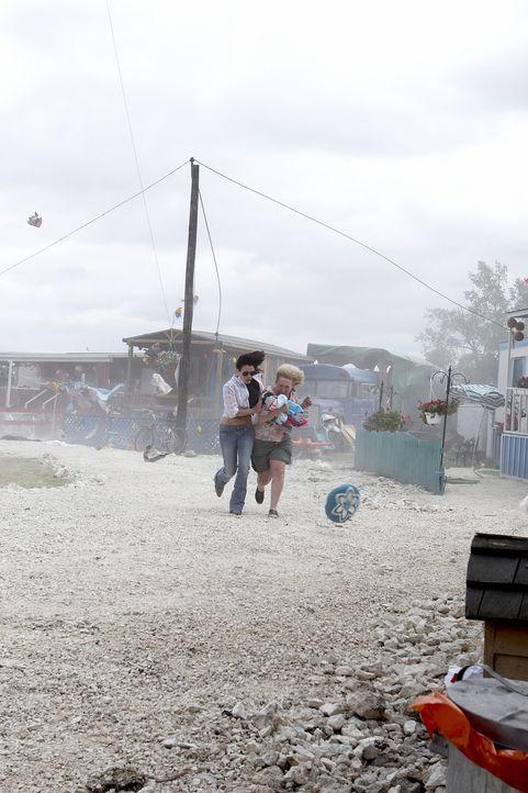 Schwere Unwetter in vielen Teilen der Welt sorgen für kolossale Katastrophen ... - Bildquelle: 2006 RHI Entertainment Distribution, LLC