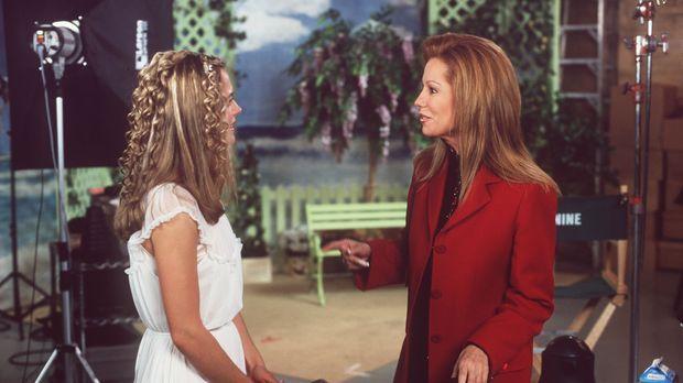 Deidre Adams (Kathie Lee Gifford, r.) lebt nur für die Karriere ihrer Tochter...