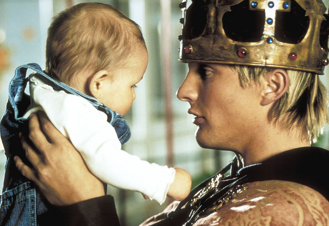 Zwischen Tochter und Vater (Niki Jondral) entwickelt sich langsam ein innigliches Band. Frank ist mittlerweile nicht mehr bereit, seine Kleine wiede... - Bildquelle: ProSieben