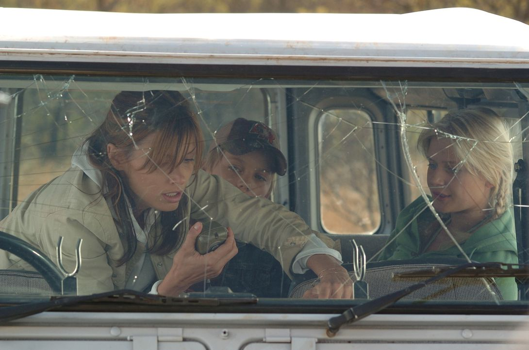 Schon bald müssen Amy (Bridget Moynahan, l.) und ihre beiden Stiefkinder Jessica (Carly Schroeder, r.) und David (Connor Dowds, M.) erkennen, dass s...