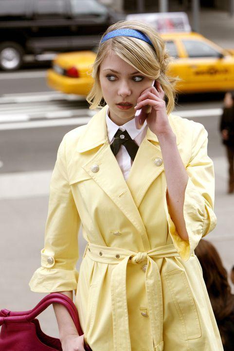 Wird von dem Neuen an ihrer Seite nur schamlos benutzt: Jenny (Taylor Momsen) ... - Bildquelle: Warner Bros. Television