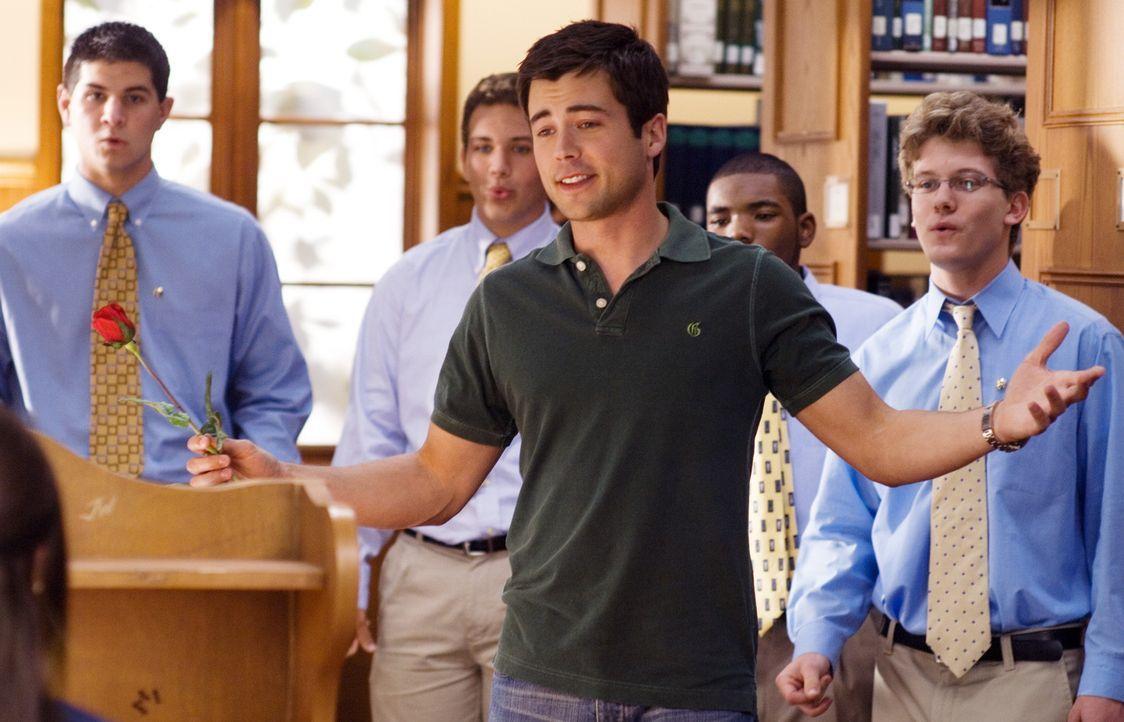 Als Tyler (Matthew Long, vorne) deutlich zeigt, dass er sich für die liebenswerte Sydney interessiert, rastet die selbst ernannte College-Queen Rac... - Bildquelle: 2007 Universal Studios, All Rights Reserved
