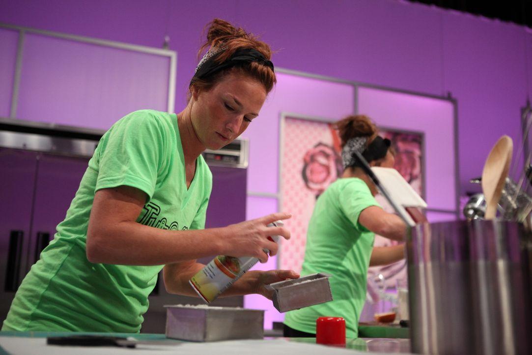 Als eineiiger Zwilling weiß Heidi Petrilla (Foto), was Teamwork heißt und ist umso glücklicher, dass ihre Schwester sie zu Cake Wars begleitet und u... - Bildquelle: 2016,Television Food Network, G.P. All Rights Reserved