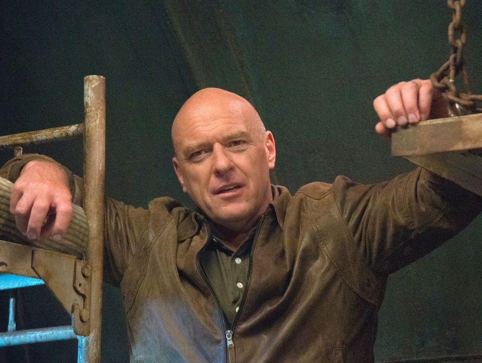 Führt nichts Gutes im Schilde: Big Jim (Dean Norris) ... - Bildquelle: 2014 CBS Broadcasting Inc. All Rights Reserved.