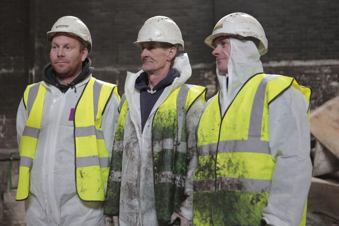 In dieser Folge reißen die Abrissspezialisten eine alte Eisfabrik ab, die durch ein Feuer zerstört wurde. - Bildquelle: Back2Back Productions Limited