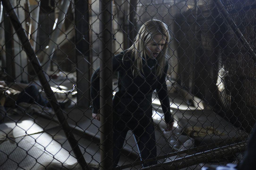 Nachdem sie Liam gestanden hat, dass sie seine Tochter umgebracht hat, muss sie sich gegen ihn zur Wehr setzen: Nora (Kristen Hager) ... - Bildquelle: Phillipe Bosse 2013 B.H. 2 Productions (Muse) Inc. ALL RIGHTS RESERVED.