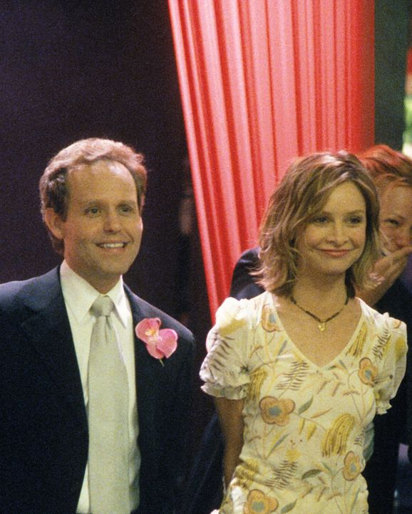 Ein letztes Zusammentreffen, bevor John (Peter MacNicol, l.) und Ally (Calista Flockhart, r.) ihrer eigenen Wege gehen ... - Bildquelle: 2002 Twentieth Century Fox Film Corporation. All rights reserved.