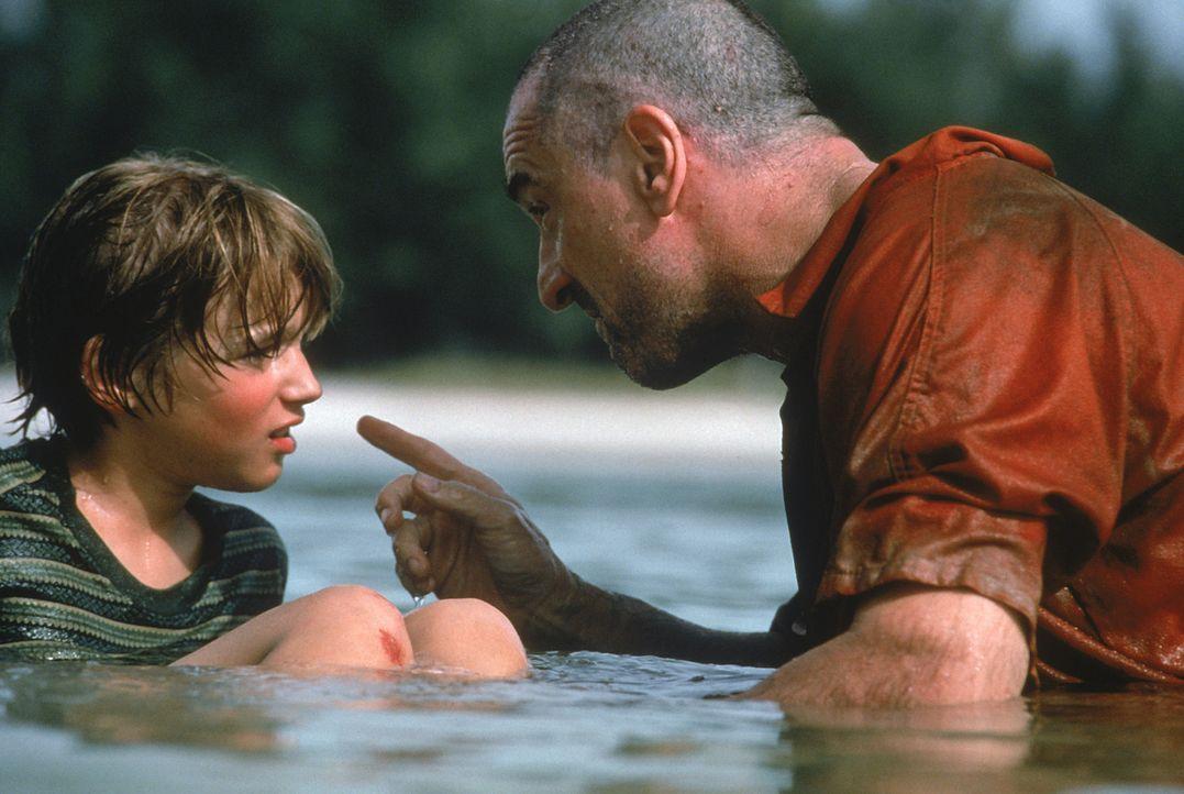 Finnegan Bell (Jeremy James Kissner, l.), ein zehnjähriger Waisenjunge, wächst bei seiner Schwester Maggie und ihrem Freund Joe in ärmlichen Verh... - Bildquelle: 20 Century Fox