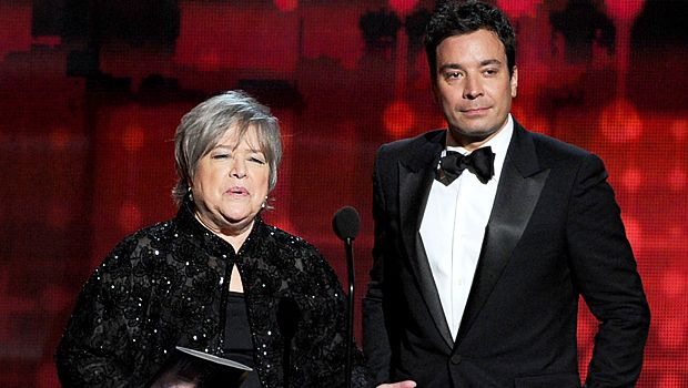 emmy-awards-Kathy-Bates-Jimmy-Fallon-12-09-23-getty-AFP - Bildquelle: getty-AFP