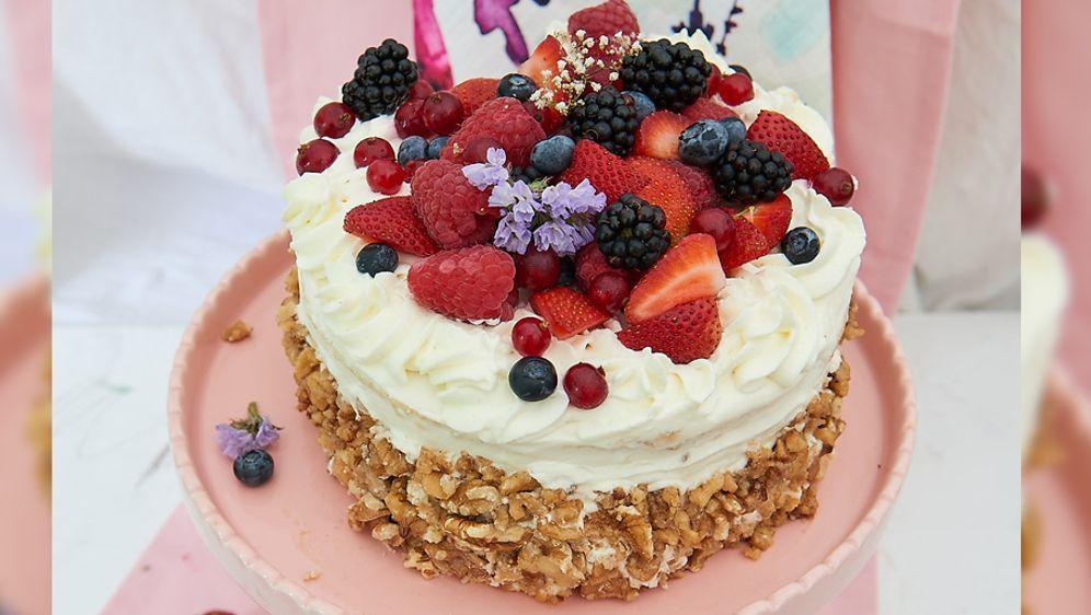 """Stevens """"Latvian Honey Cake"""""""
