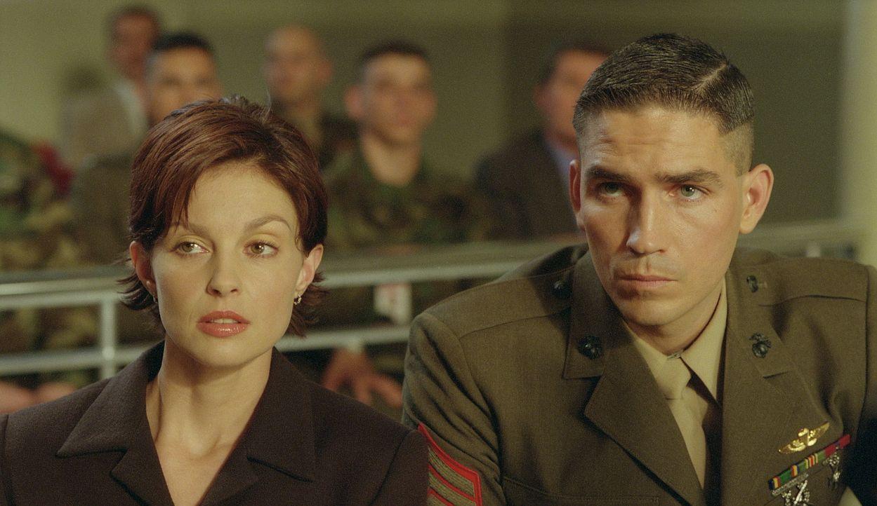 Bald stößt Claire (Ashley Judd, l.) auf Beweise, die nur eine Vermutung zulassen, dass Ehemann Tom (James Caviezel, r.) das Opfer einer Verschwörung... - Bildquelle: 20th Century Fox Film Corporation