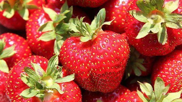 Ein Haufen frischer Erdbeeren