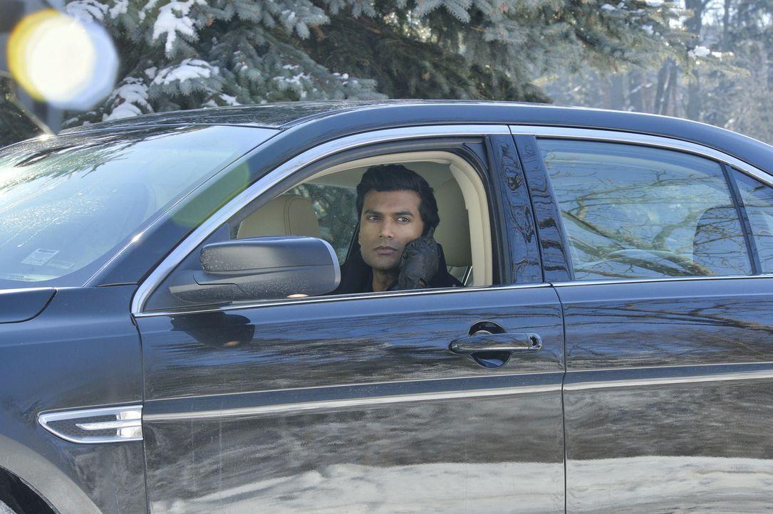 Als Sam bei einem Verhör Gabe (Sendhil Ramamurthy) als einen regelmäßigen Besucher in seinem Gefängnis wiedererkennt, beschleicht Cat Skepsis, ob ih... - Bildquelle: 2013 The CW Network, LLC. All rights reserved.