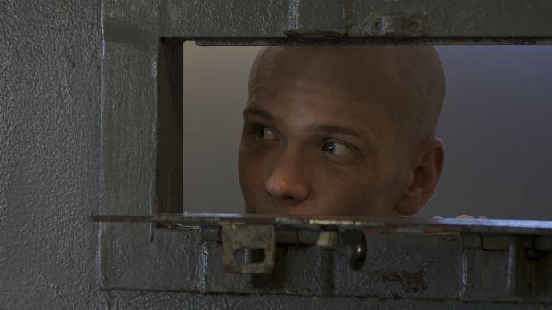 Wagt einen Blick aus seiner Zelle: Straftäter Dwayne Rosier ... © Andrew Bake...