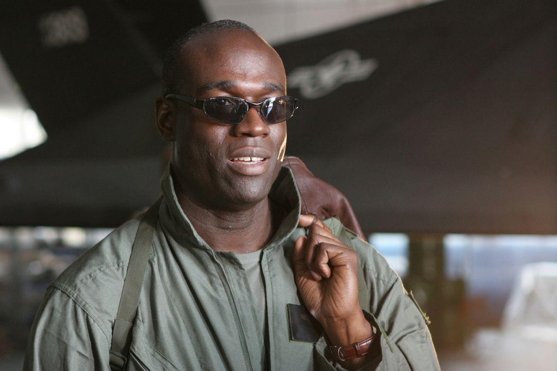 Welche Rolle spielt Ratcher (Steve Toussaint) in der vertrackten Situation? - Bildquelle: Copyright   2007 Pueblo Film Distribution Limited. All Rights Reserved.