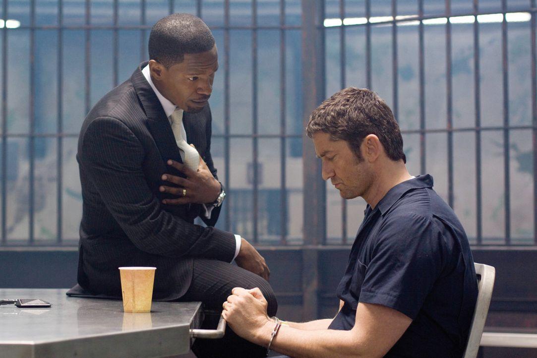 Staatsanwalt Nick Rice (Jamie Foxx, l.) kommt bei Shelton (Gerard Butler, r.) an die Grenze seines Könnens. Da nimmt der Rächer Nicks Familie ins... - Bildquelle: 2009   Constantin Film Verleih GmbH