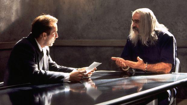 Die letzte Hoffnung von Dr. Stanley Goodspeed (Nicolas Cage, l.) ist der brit...