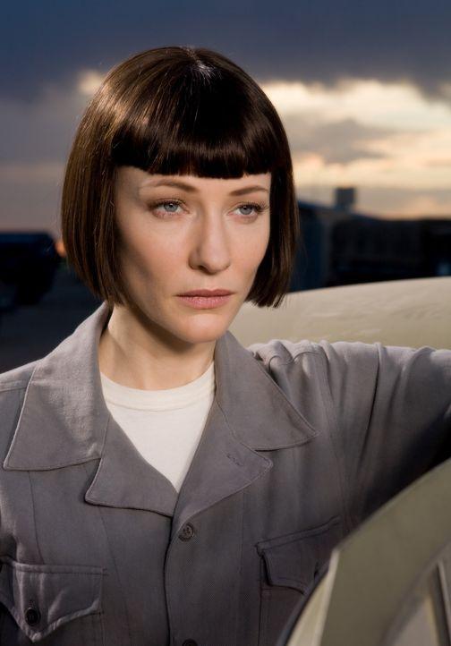 Erhofft sich mit dem legendären Kristallschädel, die Weltherrschaft: Irina Spalko (Cate Blanchett) ... - Bildquelle: David James & TM 2008 Lucasfilm Ltd. All Rights Reserved.