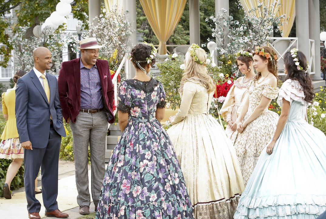 Staffel 3, Folge 11: Lavon und die Damen - Bildquelle: Warner Bros. Entertainment Inc.