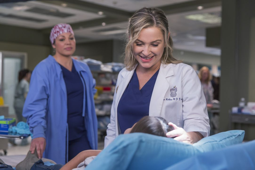 Machen sich große Sorgen um Sofia: Arizona (Jessica Capshaw, r.) und Callie (Sara Ramirez, l.), während Meredith ganz andere Sorgen hat ... - Bildquelle: Ron Batzdorff ABC Studios