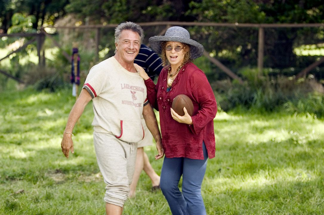 Was ist noch peinlicher als ein Name wie Gaylord Focker? Ganz klar, die Eltern (Dustin Hoffman, l., Barbra Streisand, r.), die ihrem Kind einen solc... - Bildquelle: DreamWorks SKG