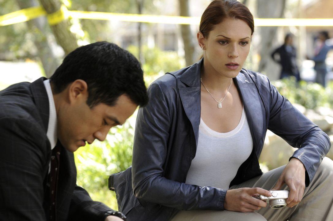Hinter Patrick ist die Falle bereits zugeschnappt. Können seine Kollegen Grace (Amanda Righetti, r.) und Kendall (Tim Kang, l.) ihm noch irgendwie h... - Bildquelle: Warner Bros. Television