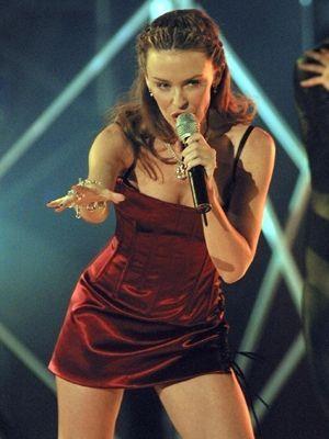 Kylie bei einem Auftritt in Monaco im März 2002 - Bildquelle: AFP