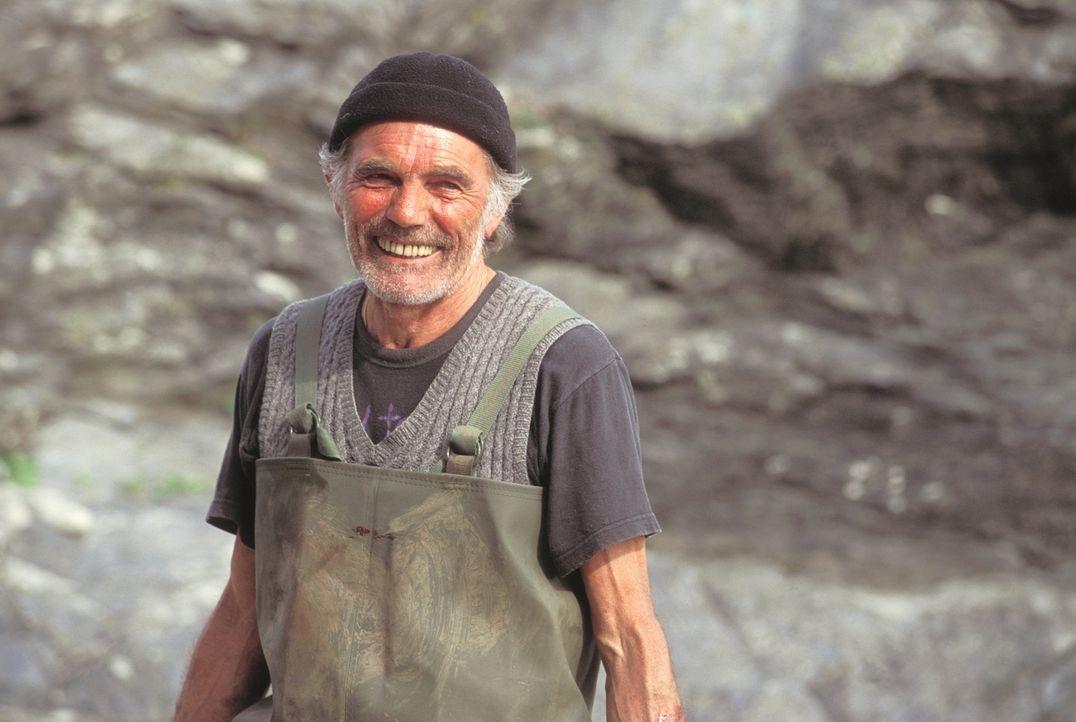 Schäfer Dafydd (Maurice Roëves) weiß genau, was der kleinen Sarah passiert ist, denn er ist ein Teil der geheimnisvollen Vergangenheit ... - Bildquelle: Constantin Film