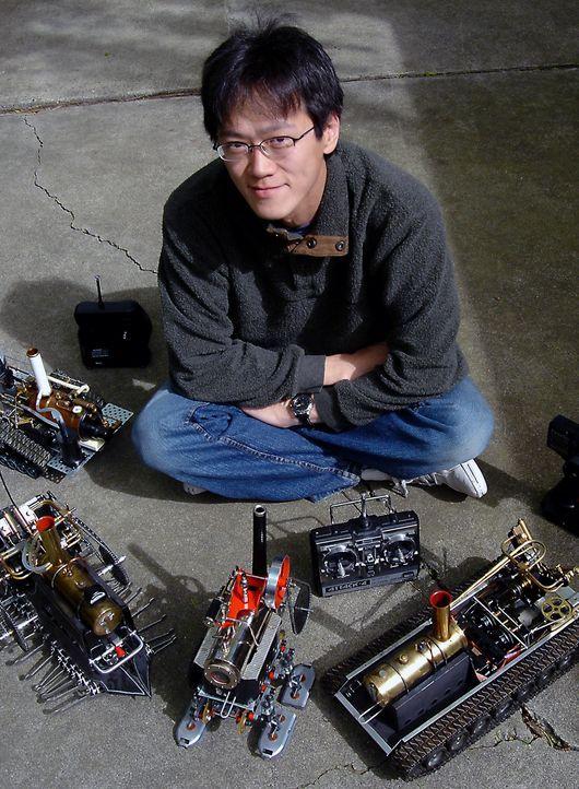Lokomotiven oder Raddampfer aus dem 19. Jahrhundert wurden mit Dampf betrieben. Dampf als Energiequelle ist heutzutage auch wieder ein Thema, denn G... - Bildquelle: I-Wei Huang