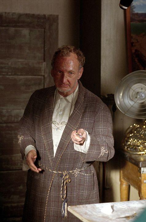 In einem verlassenen Haus wohnt der Dämon Gammill (Robert Englund), dessen Vorliebe es ist, Frauen schrumpfen zu lassen und sie in Tonfiguren zu ver... - Bildquelle: Paramount Pictures