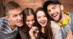 Party-Gadgets mit Fun-Faktor wie dieses Karaoke-Mikro versprechen leider mehr...