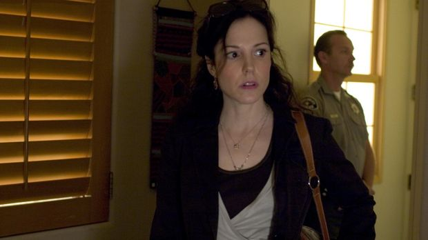 Nancy (Mary-Louise Parker) ist entsetzt, als Douglas ihr erklärt, dass er ein...