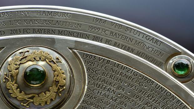 Bundesliga-Meisterschale-940