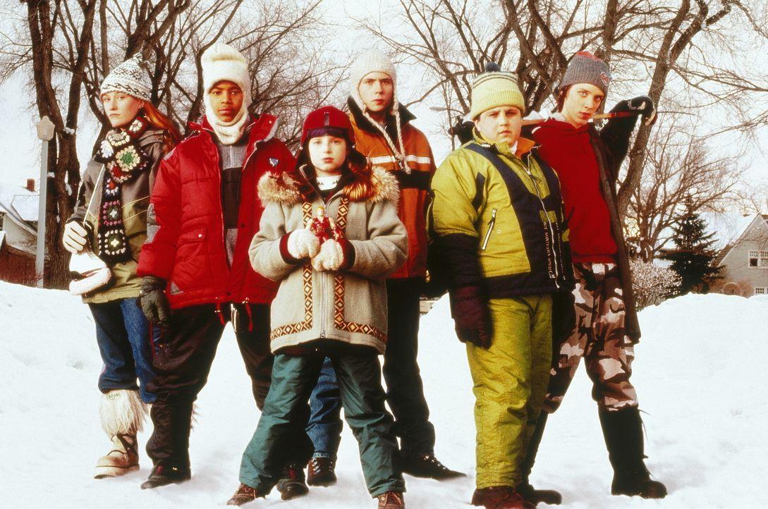 Um den Schneepflugfahrer aufzuhalten, der die Strassen freiräumen will, halten die Kinder zusammen ... - Bildquelle: Paramount Pictures