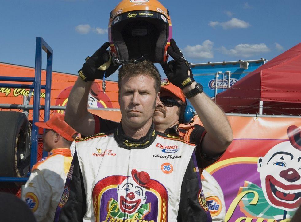 Rennfahrer Ricky Bobby (Will Ferrell) hat alles, was man sich nur wünschen kann. Die Presse liegt ihm zu Füßen, er erhält hoch dotierte Sponsorenver... - Bildquelle: Copyright   2006 Sony Pictures Television International.