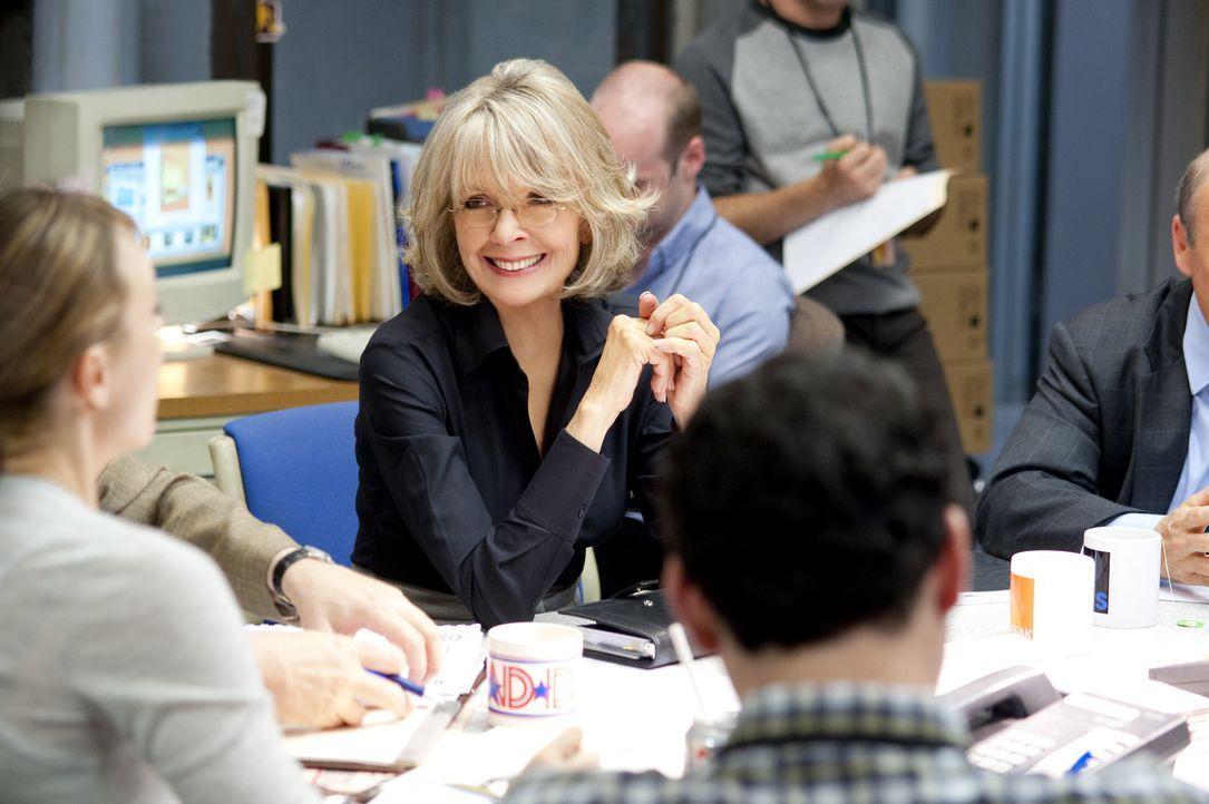 """Colleen Peck (Diane Keaton) ist es leid, die Guten-Morgen-Sendung """"Daybreak"""" zu moderieren, die den ewigen vierten Platz unter den Sendungen im Frü... - Bildquelle: 2010 Paramount Pictures.  All rights reserved."""