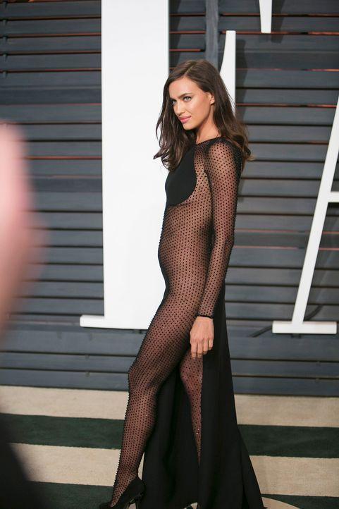 Oscars-Vanity-Fair-Party-Irina-Shayk-150222-AFP - Bildquelle: AFP