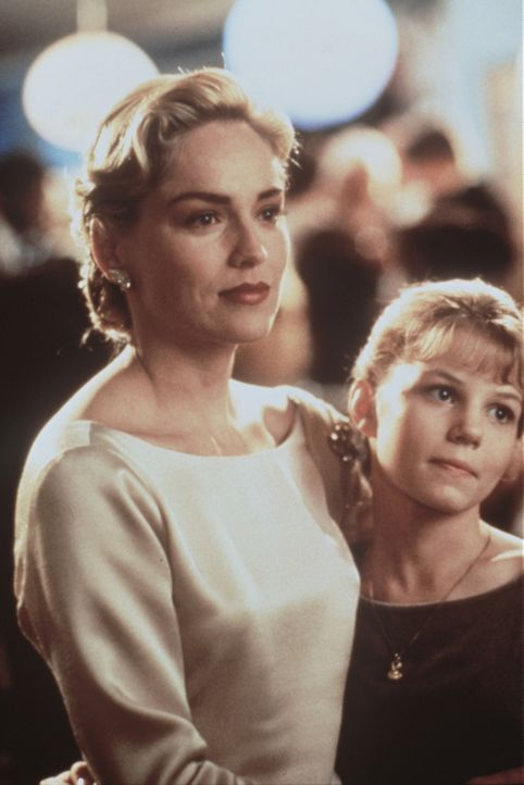 Sally Eastman (Sharon Stone, l.) mit ihrer Tochter Meaghan (Jenny Morrison, r.): Der Mensch, den sie beide über alles lieben, bricht ihnen das Herz... - Bildquelle: Paramount Pictures
