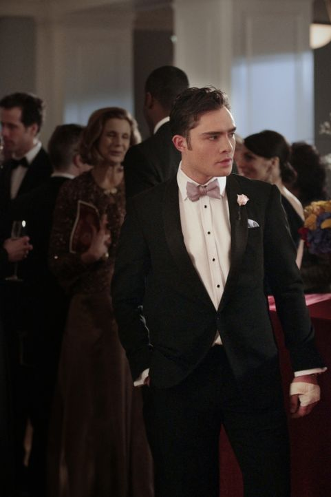 Versucht verzweifelt Blair zu finden, die von Russell Thorpe festgehalten wird: Chuck (Ed Westwick) ... - Bildquelle: Warner Bros. Television