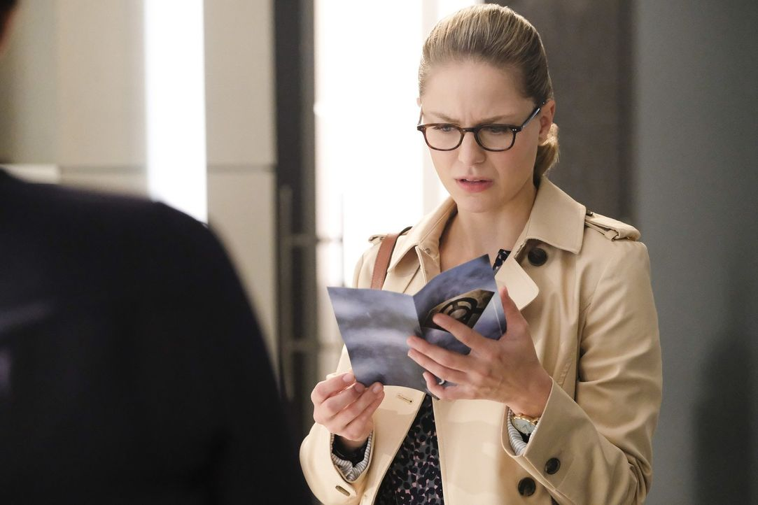 Kara (Melissa Benoist) stößt bei ihren Ermittlungen über eine seltsame neue Gruppierung auf etwas Erstaunliches ... - Bildquelle: 2017 Warner Bros.