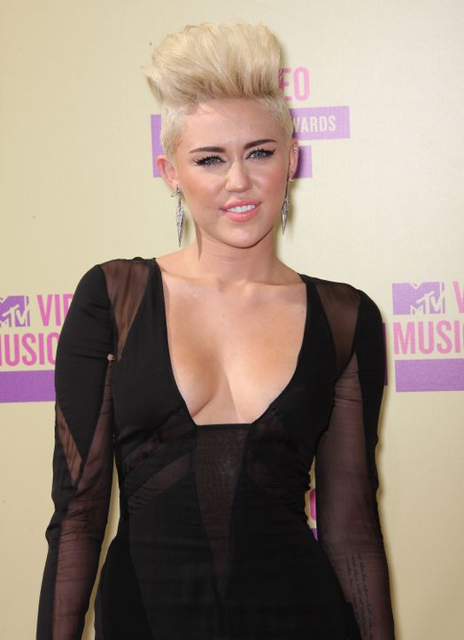 Miley Cyrus bei den MTV Video Music Awards 2012 - Bildquelle: AFP