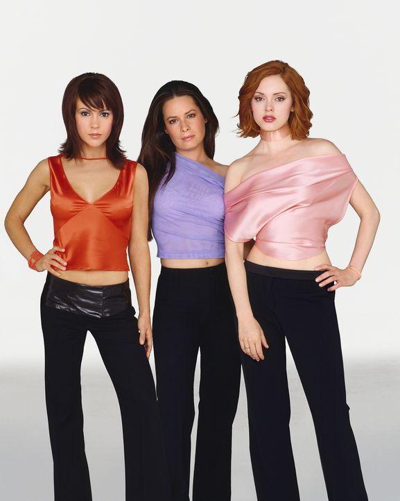 (5. Staffel) - Sie sind ein zauberhaftes Team: Phoebe (Ayssa Milano, l.), Piper (Holly Marie Combs, M.) und Paige (Rose McGowan, r.) ... - Bildquelle: Paramount Pictures