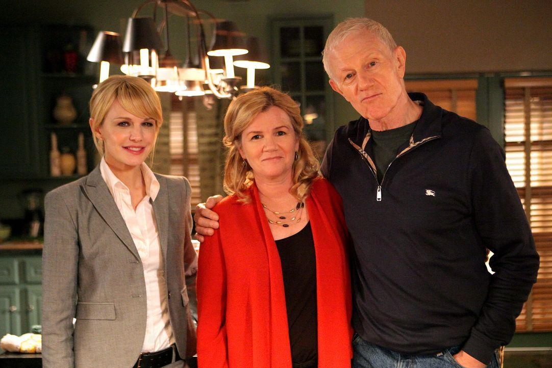 Bei den Dreharbeiten (v.l.n.r.): Kathryn Morris, Mare Winningham und Raymond J. Barry.