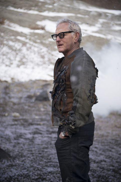 Als Dr. Stein (Victor Garber) in die Hände des Generals fällt, müssen Flash und sein Team eine verzweifelte Rettungsaktion starten ... - Bildquelle: Warner Brothers.