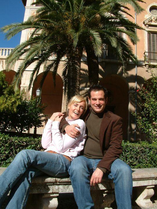 Christoph (r.) und Dana (l.) sind nach Spanien ausgewandert, um dort ein neues Leben zu beginnen … - Bildquelle: kabel eins