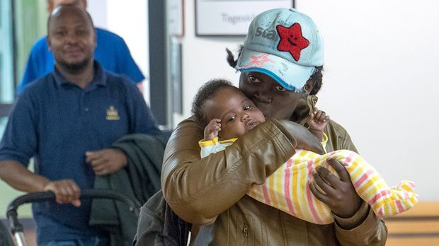 Frau flüchtet Hunderte Kilometer mit fremdem Baby